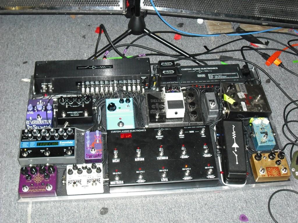 j.mascis-pedal-board