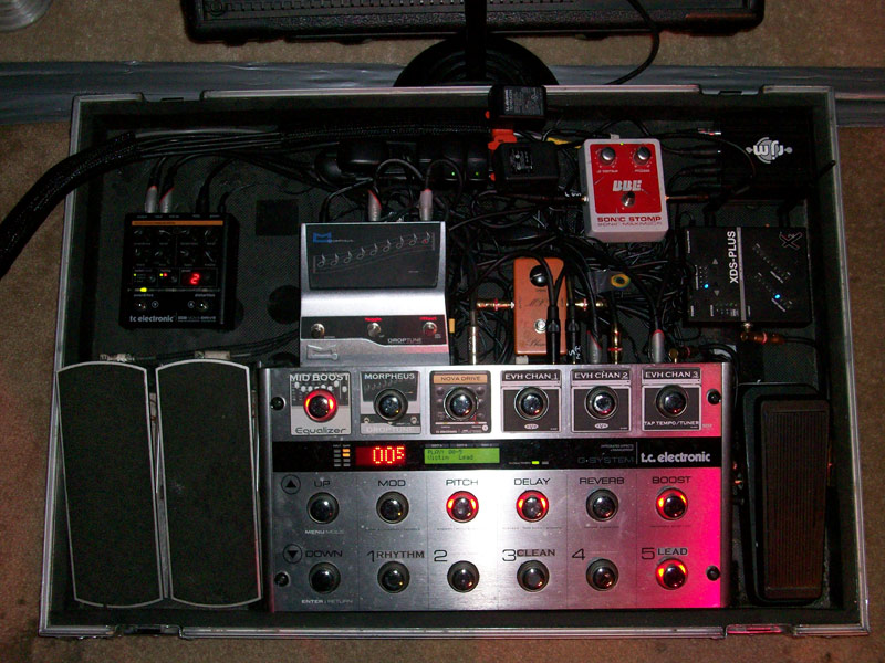 Pedalboard-with-stickers