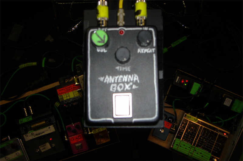 Sonic Youth's Lee Ranaldo Pedalboard - Antenna Box