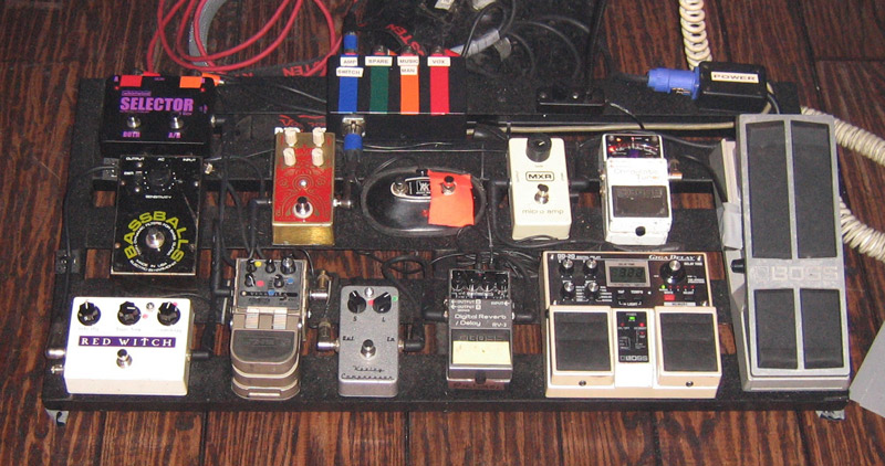 Pedalboard Break Down - Richard Reed Parry - Arcade Fire