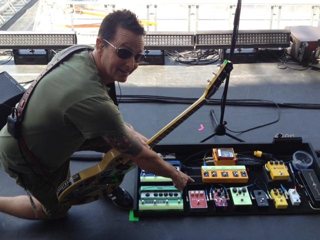 Mike McCready - Pearl Jam - Pedalboard Break Down