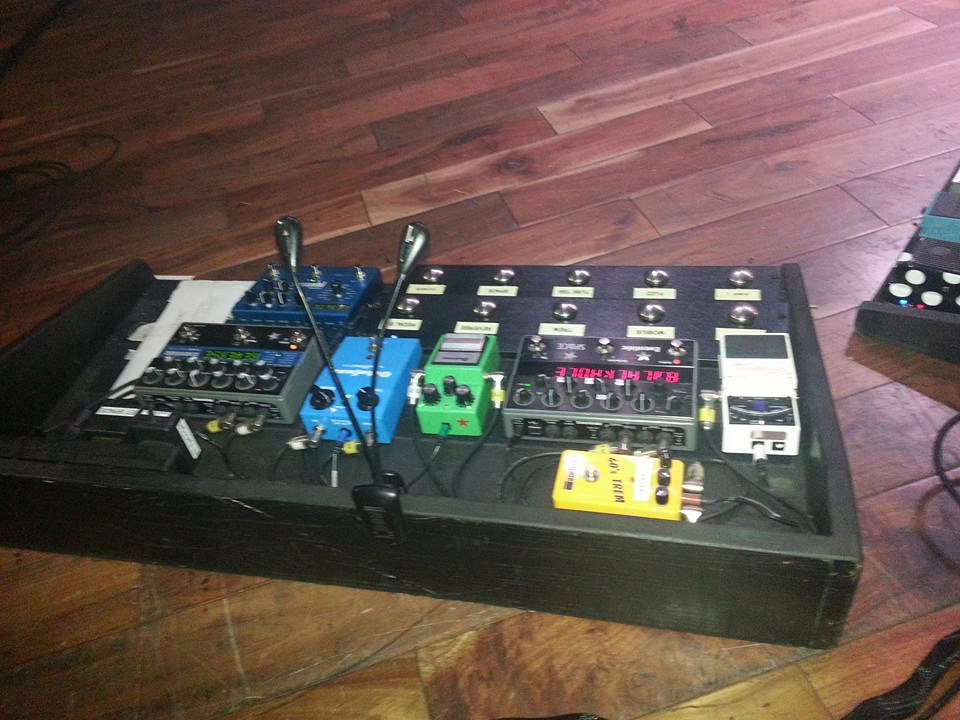 andy-bell-ride-pedalboard-2