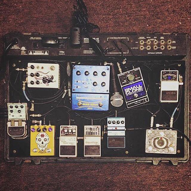 Nick Thieneman / Young Widows Pedalboard 2015