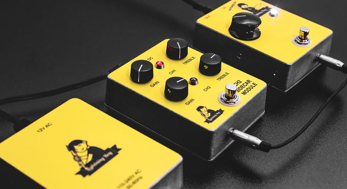 The Lightning Boy II: modular high voltage vacuum tube overdrive pedal