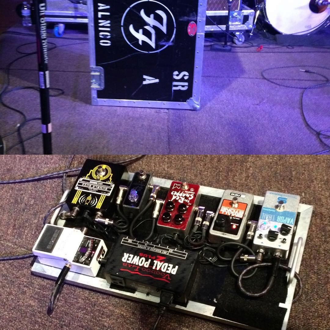 Chris Shiflett - Solo Project - Pedalboard