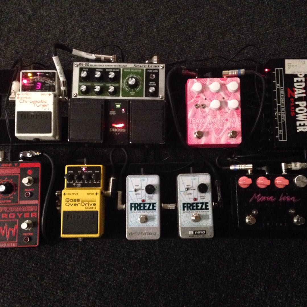 Ayse Hassan - Savages - Pedalboard