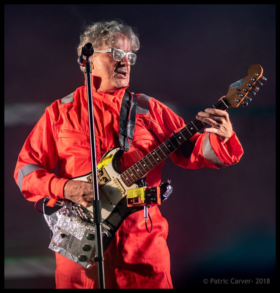 Devo's Mark Mothersbaugh - Effects on Guitar